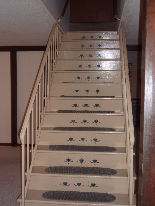 DIY Dork's Ugly Barnhouse Stairs
